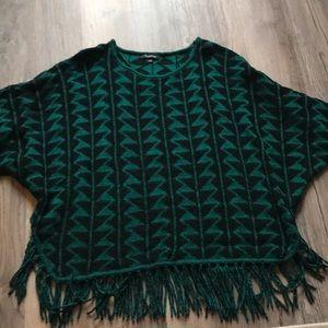 Women's Sweater w/fringe hem